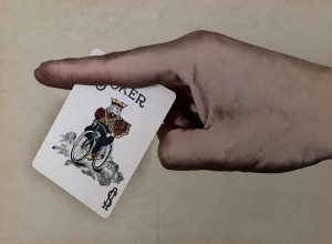 Card Throwing Grip 1