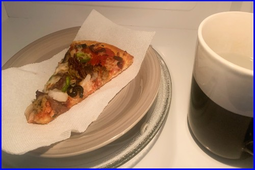 reheat pizza in microwave